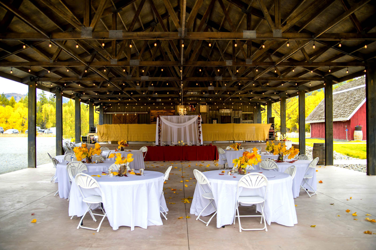 reception photography by luba timber river ranch